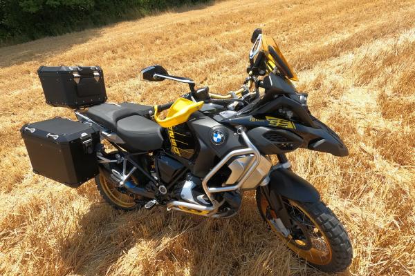 Jazda, test a recenzia motocykla BMW R 1250 GS ADVENTURE EDITION 40 YEARS GS 2021 z dielne OKR Moto