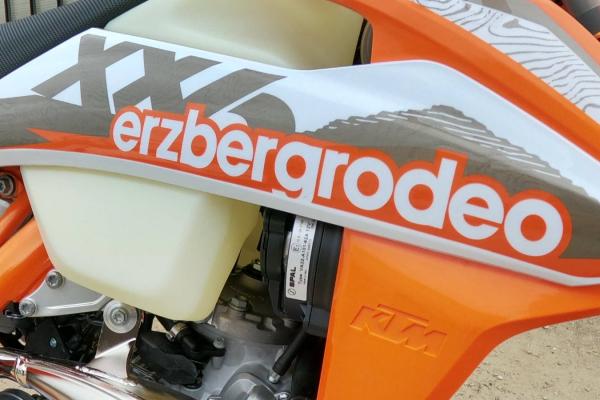 KTM 300 EXC TPI ERZBERGRODEO 2021 v limitovanej sérii od KTM (Krátky test a recenzia OKR Moto)