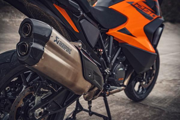 Nový kráľ cestovných endúr KTM 1290 Super Adventure S 2021