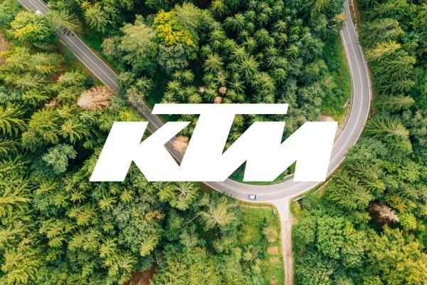 Rodina KTM (Super) Adventure 1290 S, 1290 R, 890 R, 890 R Rally a 390 ideál na #TheWorldAdventureWeek